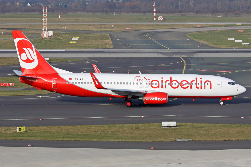 Air Berlin Turkey Boeing 737-86J TC-IZB in DUS am 17.01.2012