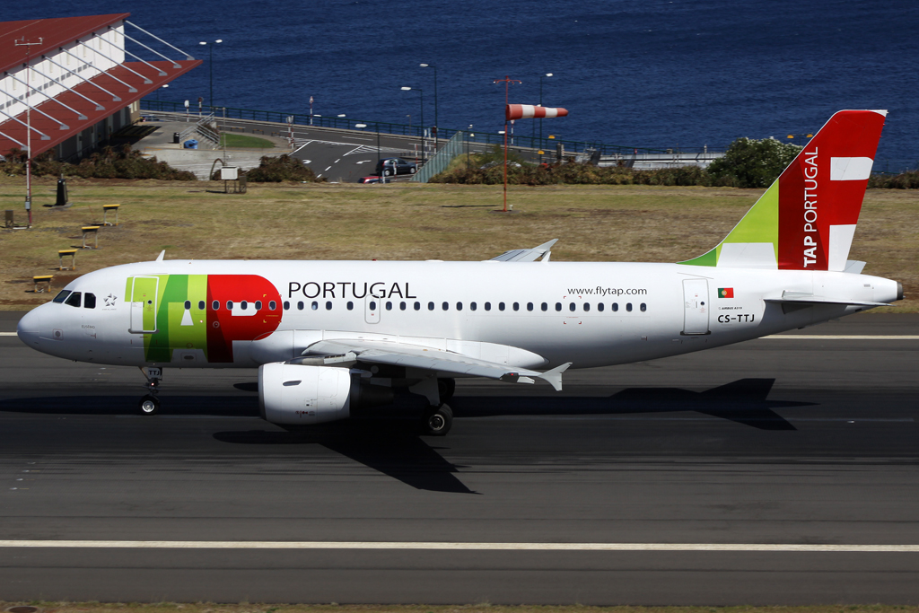 TAP A319 in Funchal am 24.07.10